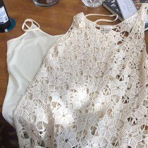Sleeveless top crocheted